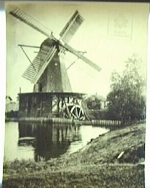 Gammelt bilde av Kånsta kvarn fra Digitalmuseum. lenke i bildet til kilde